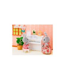 SYLVANIAN Набор с фигуркой 'Классическая мебель для домика' Sylvanian Families 5392, 5054131053928