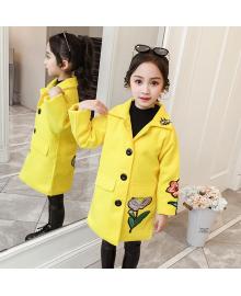 Пальто для девочки демисезонное Вышивка, желтый Berni Kids 082J