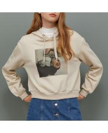 Худи женское с принтом и капюшоном Model, бежевый Berni Fashion WF-9892
