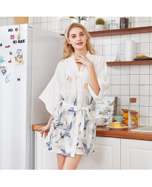 Халат домашний женский Аисты, белый Berni Fashion TZYA-990