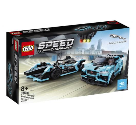 Автомобілі Formula E Panasonic Jaguar Racing GEN2 та Jaguar I-PACE eTROPHY
