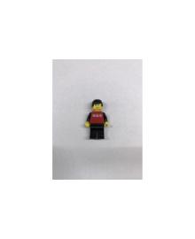 Хлопчик у червоній кофті з чорними рукавами