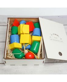 """Эко подарочный набор, детская развивающая игрушка шнуровка """"Бусы макси"""" + подарочная коробка igr652"""