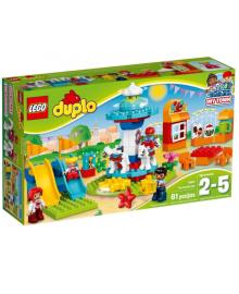 Конструктор LEGO Семейный парк аттракционов (10841)